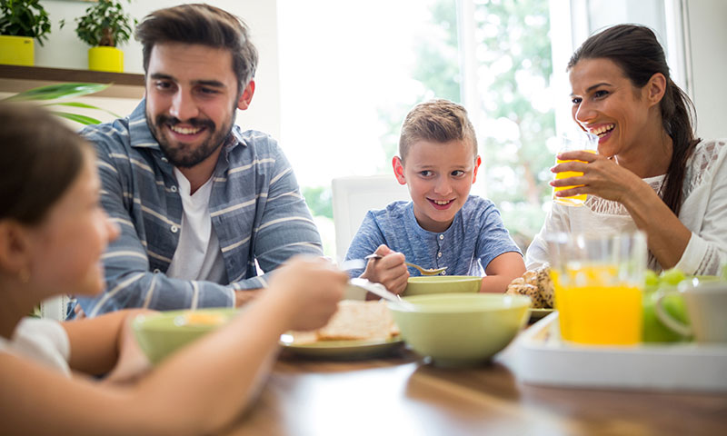Fit Fam: 5 Easy Ways to Start a Healthy Lifestyle for Your Family